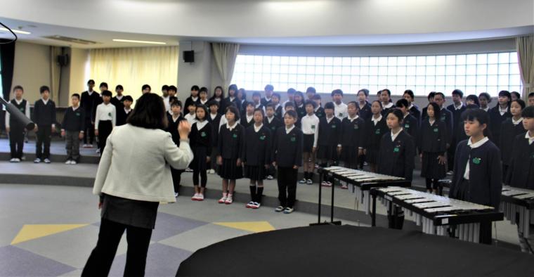 和田重次郎の子孫が松山市素鵞小学校を訪問